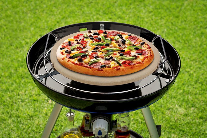 Pizza auf den Grill | CADAC Gasgrills