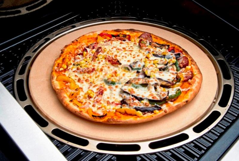 Pizza na grillu | CADAC grille gazowe