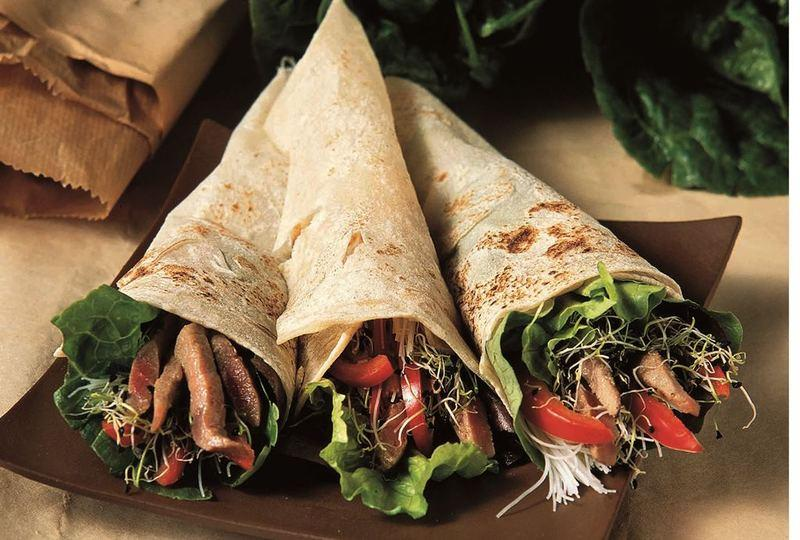 Balsamico beef in tortilla wraps