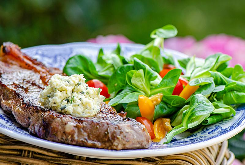 Grilled sirloin steak with Stilton cheese